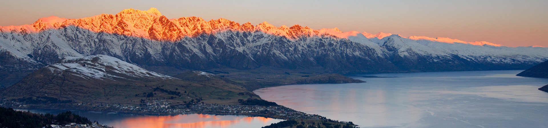 Sunrising over the Remarkables mountains