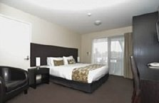 Quality Suites Amore