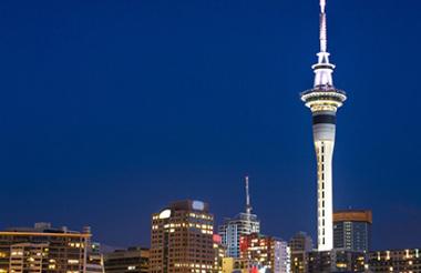 Rotorua to Auckland including Rotorua Sights and Hobbiton Movie Set with GreatSights
