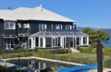 Accommodation: Black Swan Boutique Lodge