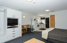 Clearbrook Motel and Serviced Apartments