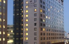 Accommodation: Crowne Plaza Auckland (or similar)