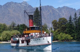 See all of New Zealand with a tailor-made package holiday