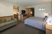 Accommodation: Heritage Dunedin Leisure Lodge (or similar)
