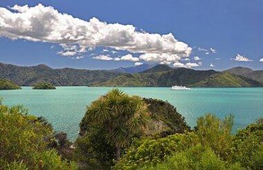 Interislander Ferry Picton to Wellington