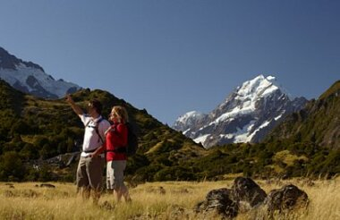 Mount Cook Encounter Guided Walk of the Hooker Valley Track