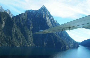 Milford Sound Fly/Nature Cruise/Fly from Queenstown with Southern Discoveries
