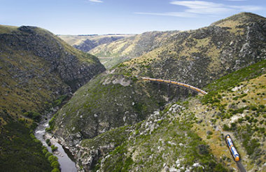 Taieri Gorge Railway: Dunedin to Pukerangi and Return