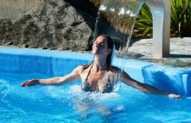 Tekapo Springs Hot Pools, Ice Skating & Snow Tubing Combo