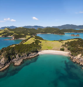 View over the beaches of the Bay of Islands
