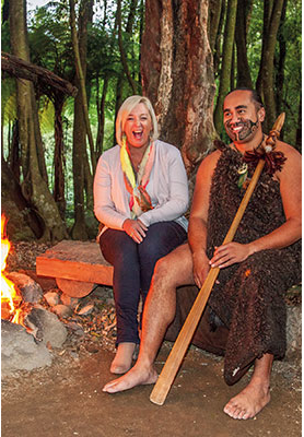 AAT Kings guest with actor at the Maori Experience
