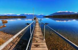 Te Anau Lake, New Zealand