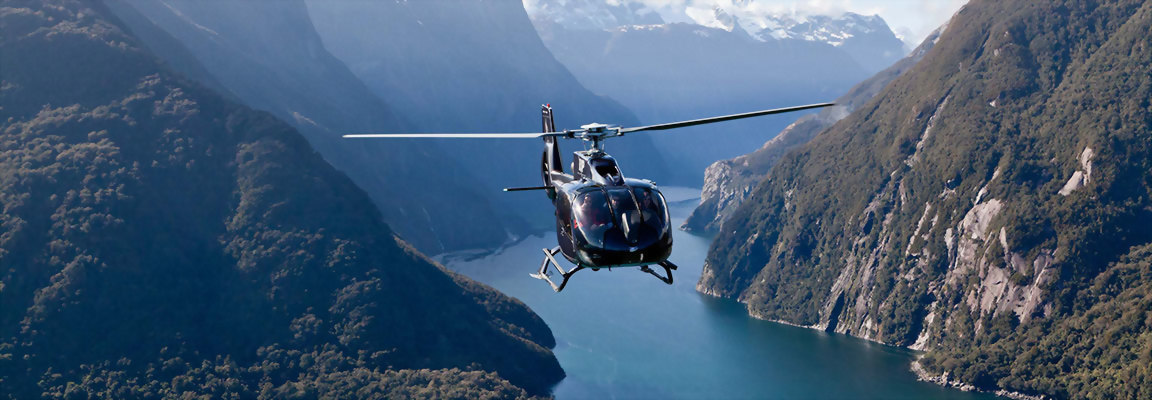 Helicopter tour to Milford Sound New Zealand