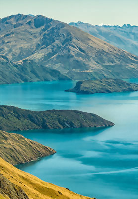 View of Lake Wanaka from Roys Peak