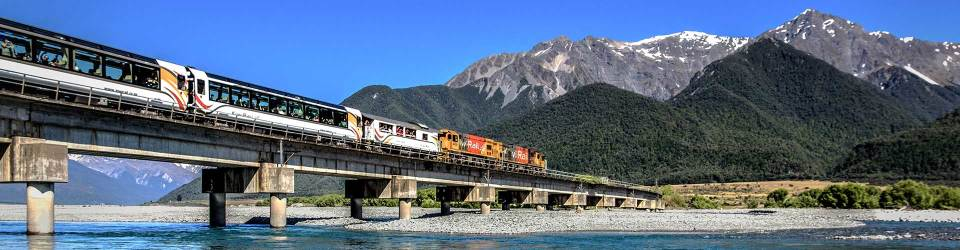 Short New Zealand bus and coach tours